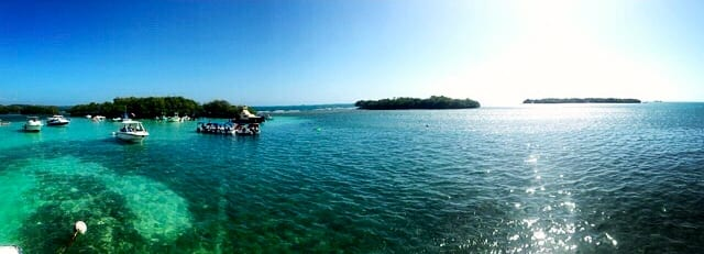 Photo of the cove we docked at in Cayo Caracoles