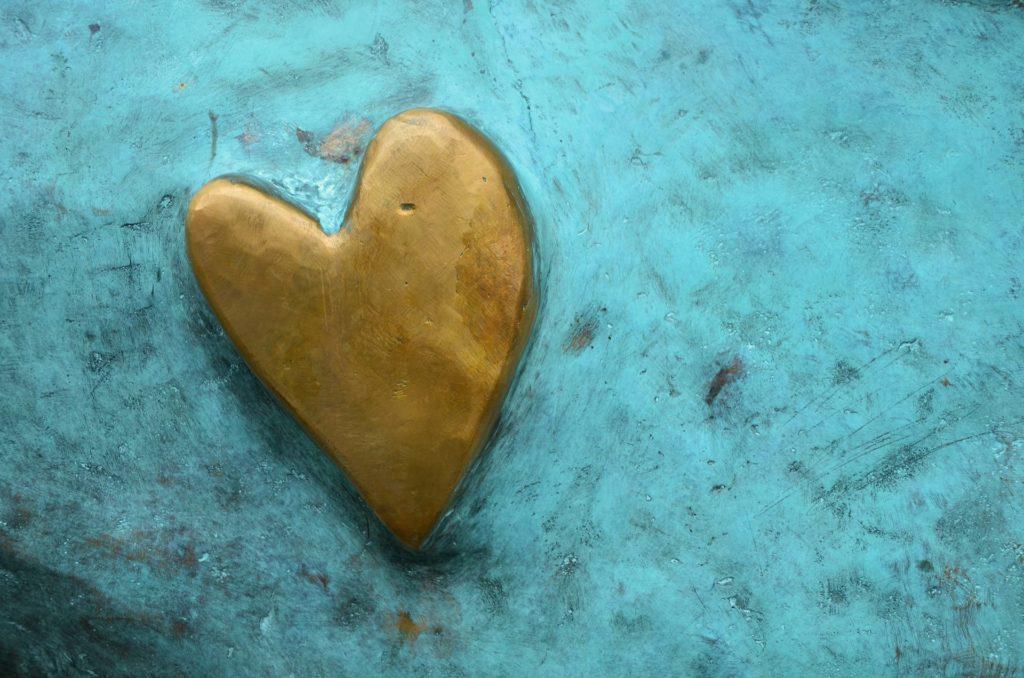 https://pixabay.com/en/heart-golden-heart-background-metal-1113247/